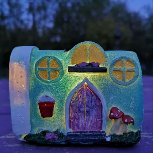 solar caravan miniature home