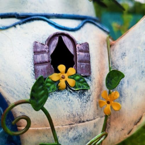 fairy window of the metal teapot