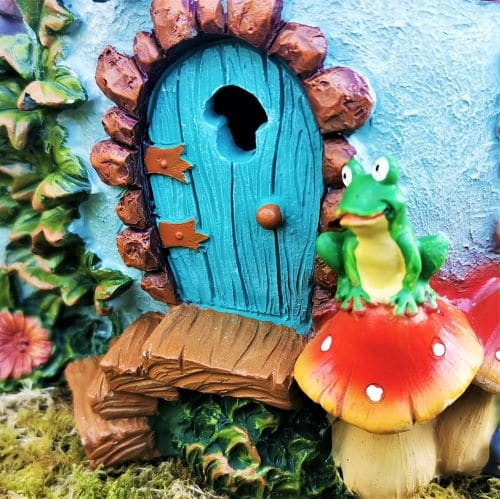 fairy door of the frog cottage