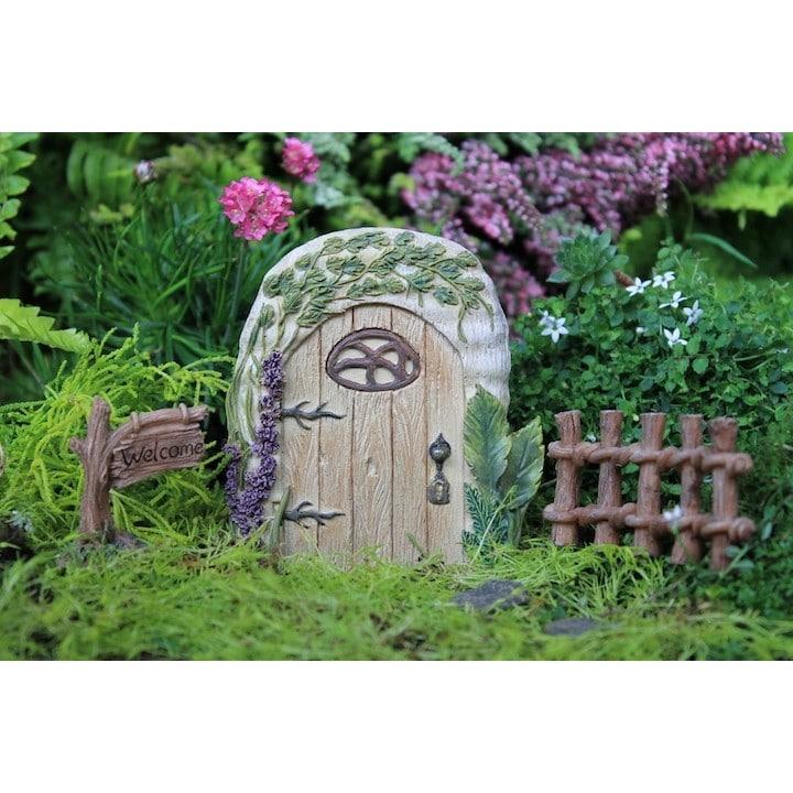 miniature garden entrance way