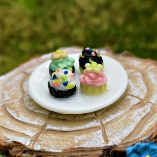 miniature fairy cakes