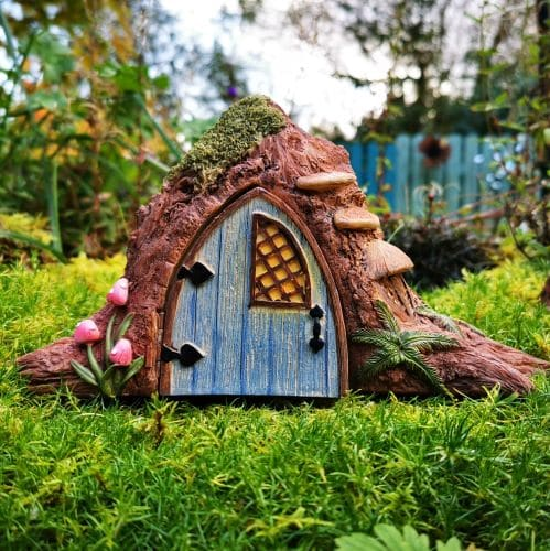opening door house for fairies