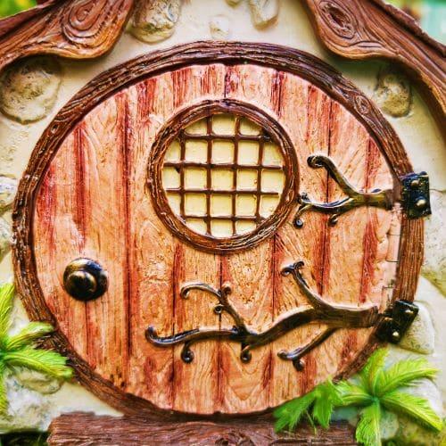 red round hobbit door