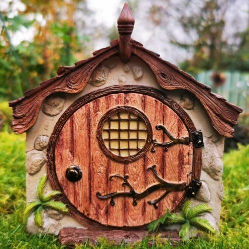 miniature hobbit burrow