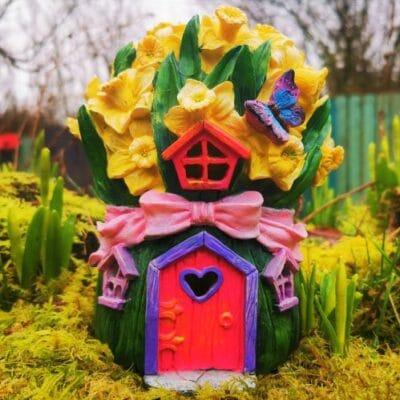 daffodil fairy house