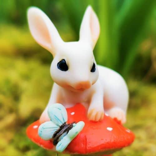 cute rabbit garden figurine