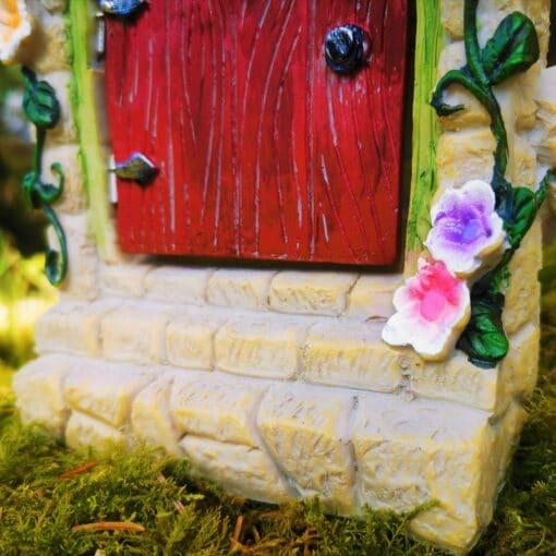 flower details on door steps