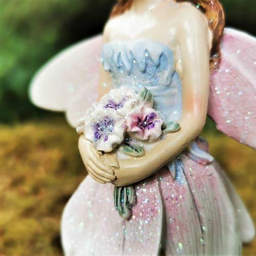 flower detail of figurine